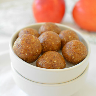 Apple Cinnamon Bliss Balls